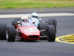 historic-racing-sydney-motorsport-park-jeremy-dale-14